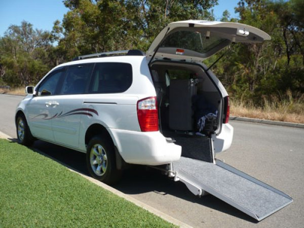 Freedom Motors Australia | Customer Testimonials - Wheelchair Accessible Vehicle Conversions - ../../dc/testimonials/smith2.jpg