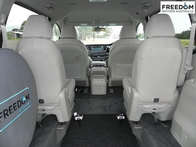 Kia Carnival YP wheelchair vehicle - Rear interior view