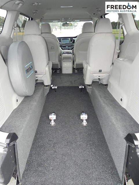 Kia carnival wheelchair accessible vehicles wheelchair for Freedom motors handicap vans